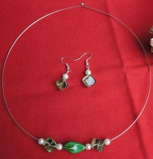 Zelené - Náhrdelník s náušnicemi - SLEVA!!!