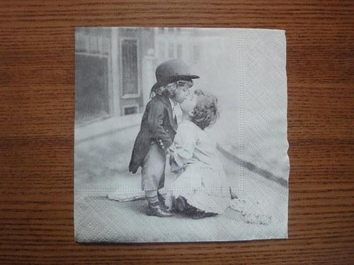 Ubrousek na decoupage - pusinkující se dětičky