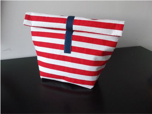 Veselá taška nejen na svačinu-červené a bílé pruhy