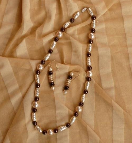 set náhrdelník  + náušnice  - perle hnědé
