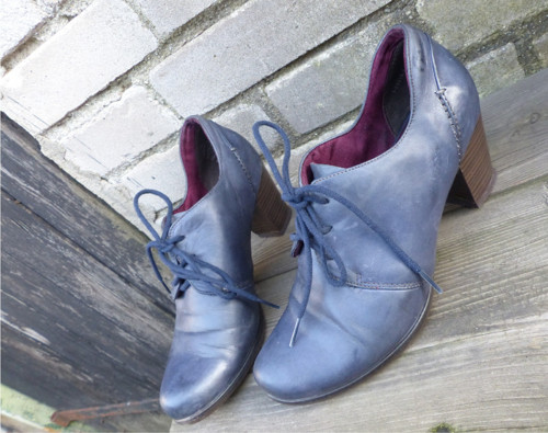Na procházku...kožené zavazovací boty