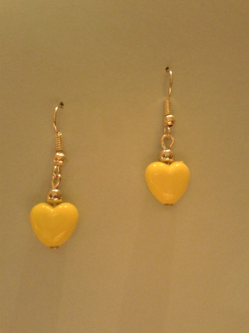 Srdíčkové žluté s kovovým korálkem (č. 129)