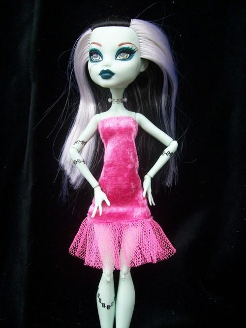 Sametové růžové pro Monster High