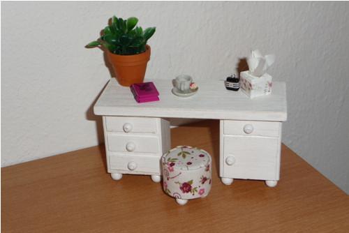 Psací stůl pro malé panenky lps klasik