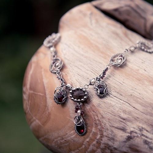 Luxusní granátky se záhnědou - náhrdelník