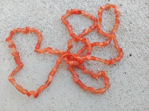 oranžové zlomky kočičí oči