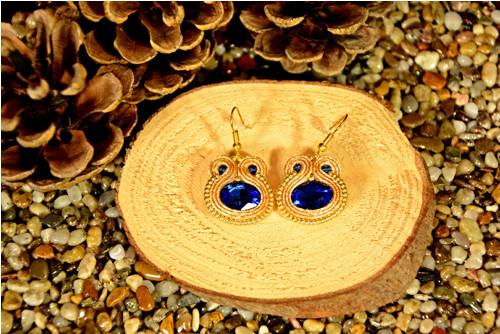 Sutaškové náušnice Sapphire in gold