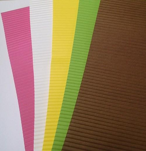 Vlnitý papír k výtvarným účelům A4 - sada 5ti kusů