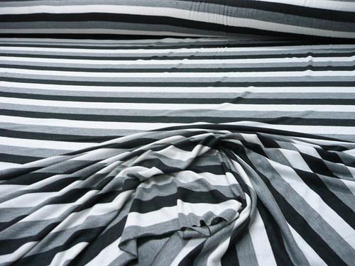 Bílá - černá - šedý melír