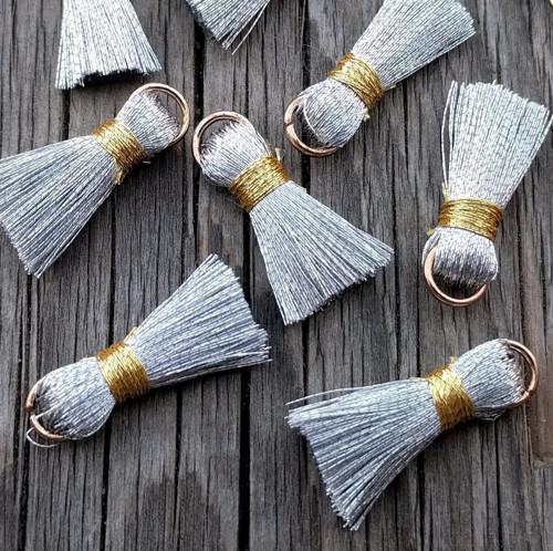 Luxusní ozdobné střapce - stříbrné, 2 kusy