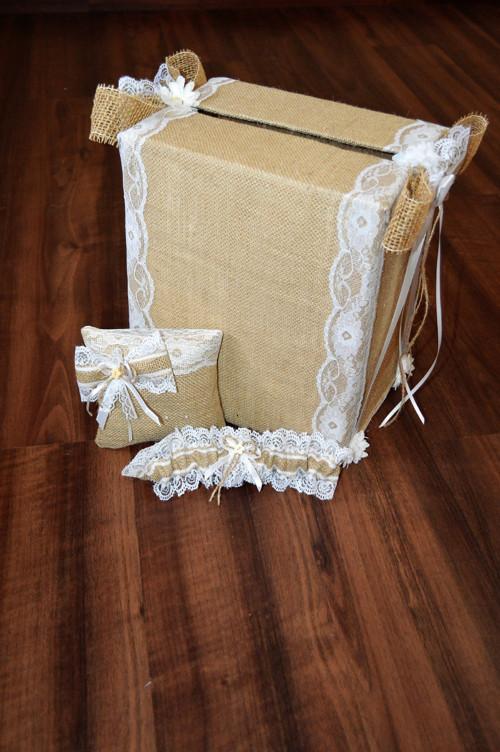 Svatební podvazek, krabice na přání a polštářek