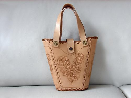 Kožená kabelka...s růží...