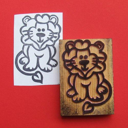Lev domácí
