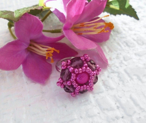 Šitý prstýnek fialový