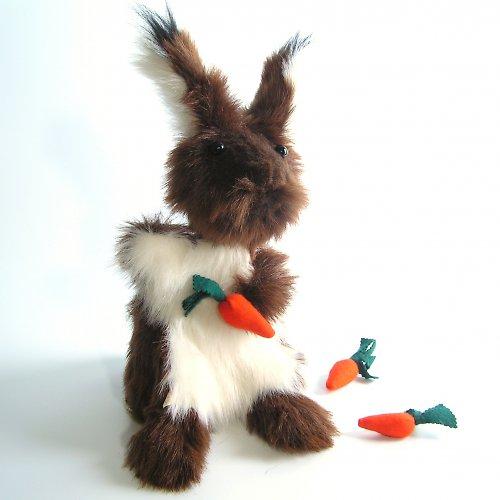 Hnědý králík - dva v jednom - autorská hračka