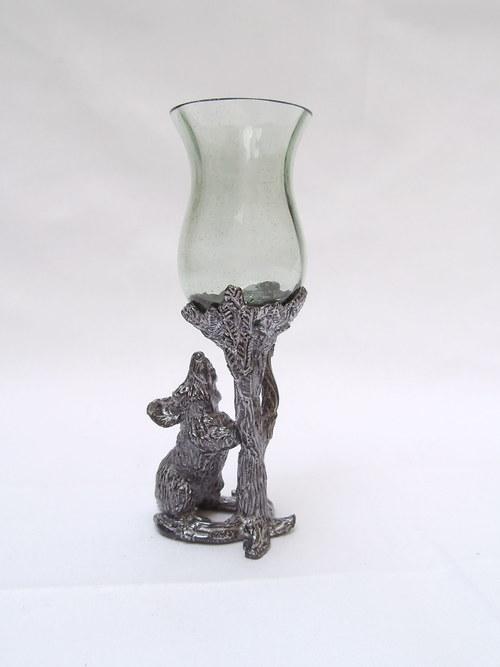 likérová sklenička s motivem myšky