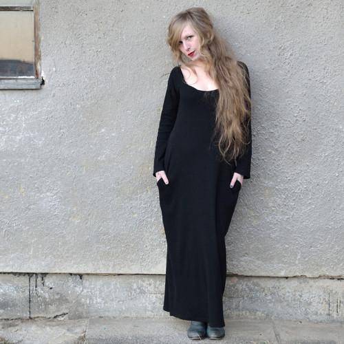 Long Black Dress - šaty s voskovou batikou