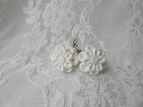 VÝPRODEJ - Velké květinky bílé zapínací