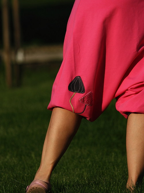 kalhoty/ sukně s houbičkami