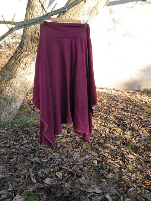 Cípatá sukně rezavě bordová