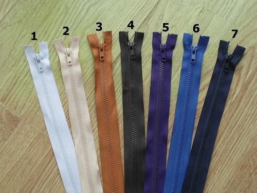 Zip kostěný 45cm