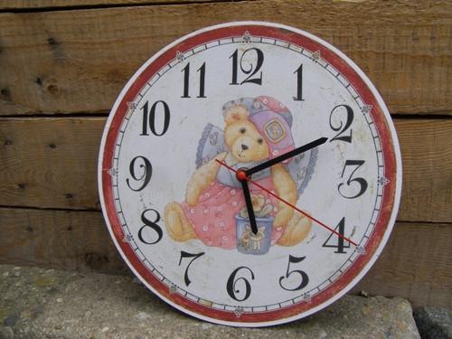 Závěsné hodiny kulaté 27cm - Retro medvídek