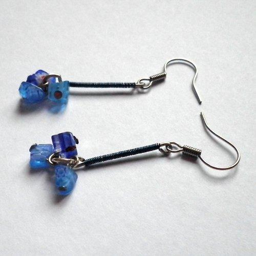 naušky omotané modré