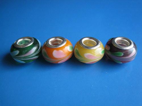 Korálky 4ks - barevny mix.list