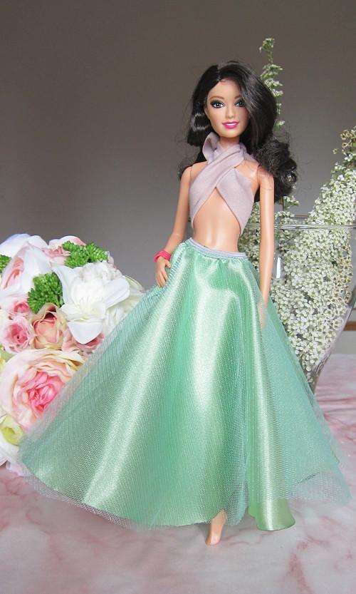 Barbie zelená sukně