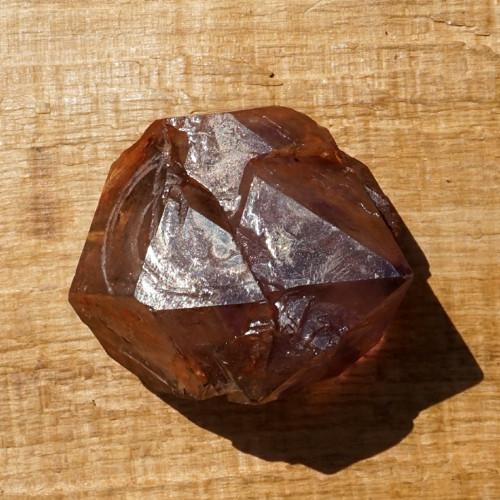 Krystal elestiálního skeletového ametystu
