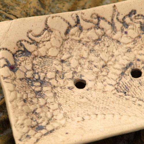 Mýdlenka-  otisk  krajka starobylá