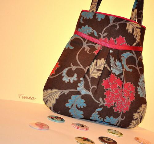 Kabelka,taška-velke kvety s tmavo rúžovou