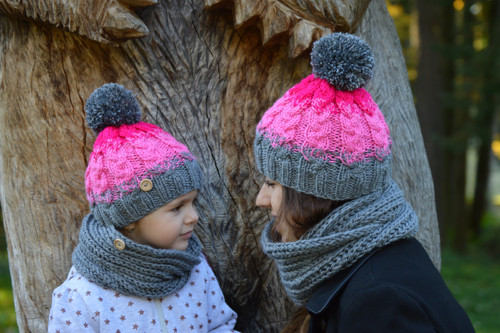 Pletený šedo-růžový set pro matku s dcerou