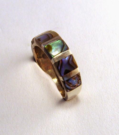 Zebra III. ring: prsten stříbr.& barevná perleť.