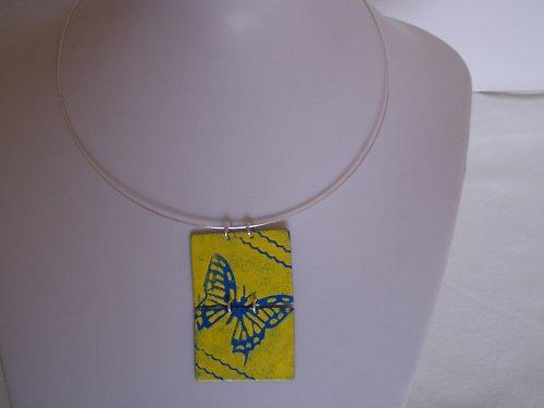 Smaltovaný přívěsek žluto-modrý