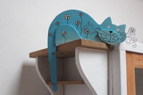 Dřevěná kočka KOPRETINKA na dveře nebo polici
