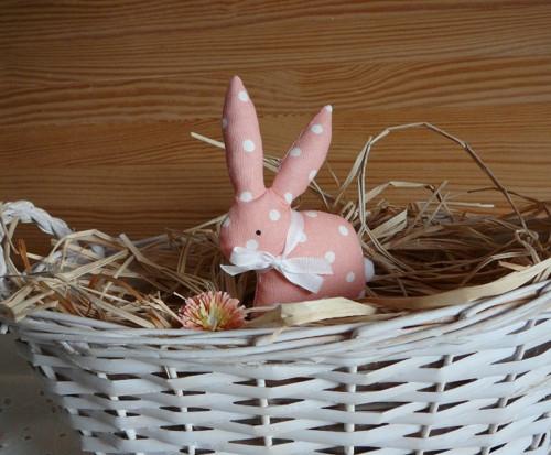 Zajíček s puntíky, meruňková barva