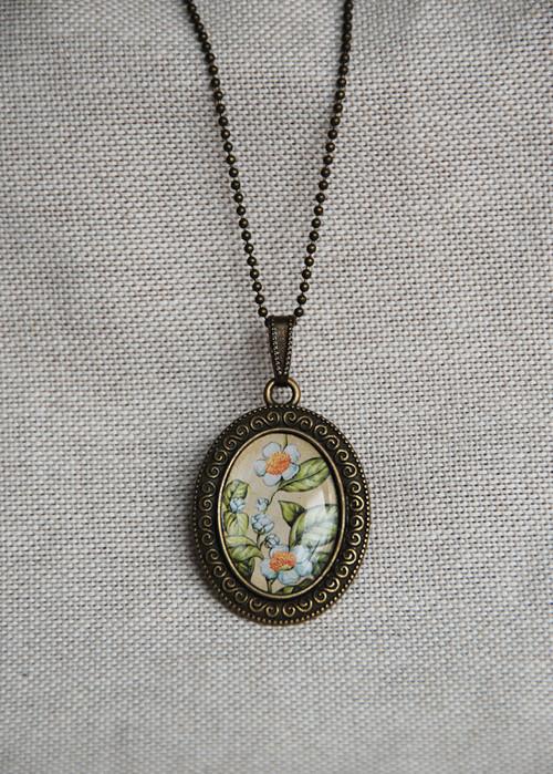 Kvetoucí zelený čaj - náhrdelník