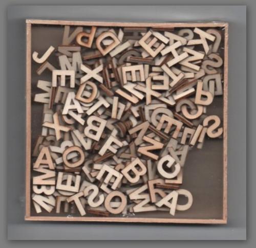 Sada dřevěných výřezů, písmena, 250 ks