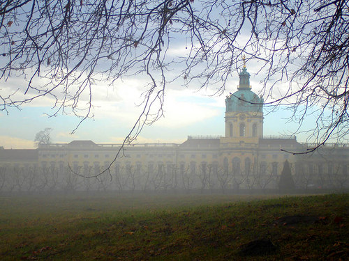 Krasna mlha-Zamecky park Charlottenburg Berlin