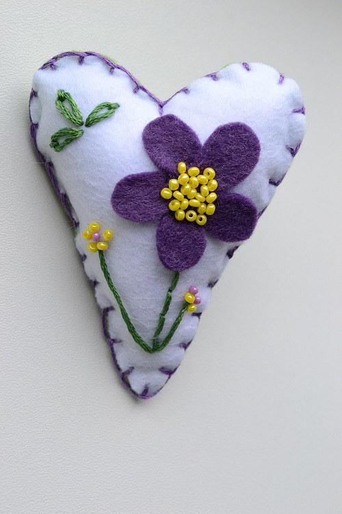 filcová brož jarní kvítí / kytičky