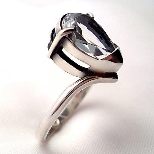 Prsten «Sen» - stříbro 925, bílý topaz