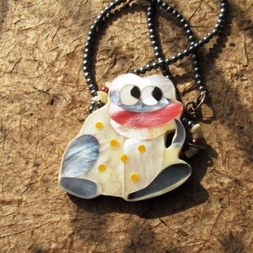 Krásný princ - perleť - náhrdelník pro recesistky