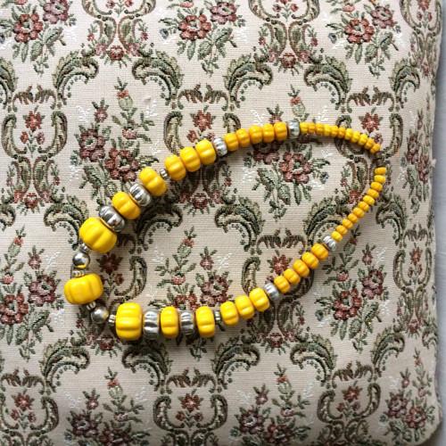 Korále žluté