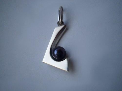 Přívěsek s perlou