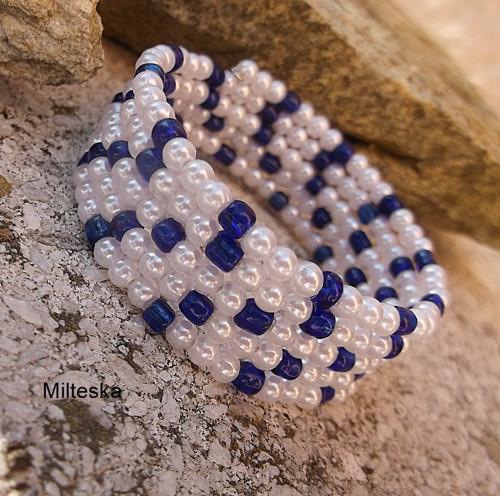 náramek  modrý s bílou