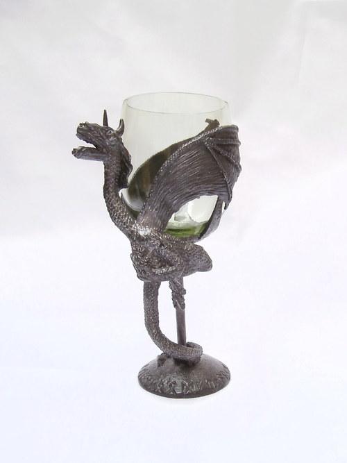sklenice na víno - s motivem draka
