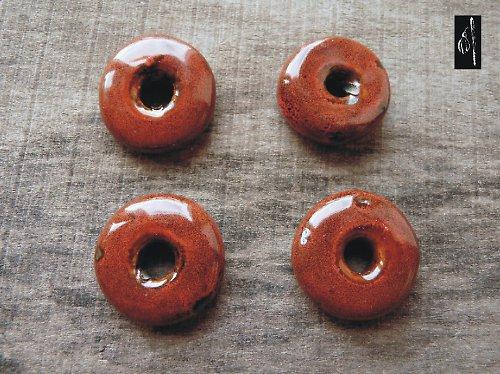 Keramický donut hnědý, 27 mm, 1 ks, sleva