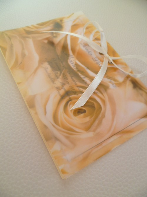 Růže svatební oznámení,pergamenový papír champagne