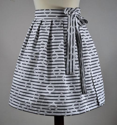 Zavinovací sukně proužek